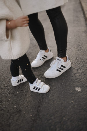 Húmedo alegría etiqueta  Mother daughter adidas sneakers matching looks 4 | CHIC TALK | CHIC TALK